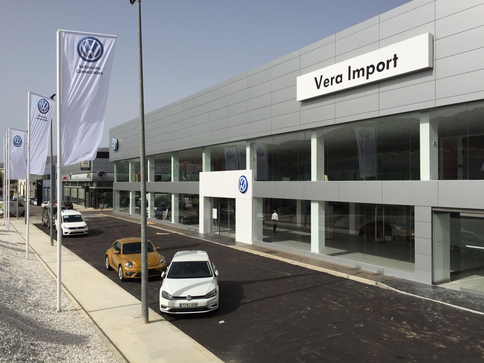 NUEVA EXPOSICIÓN DE VENTAS Volkswagen, en Huércal de Almería.