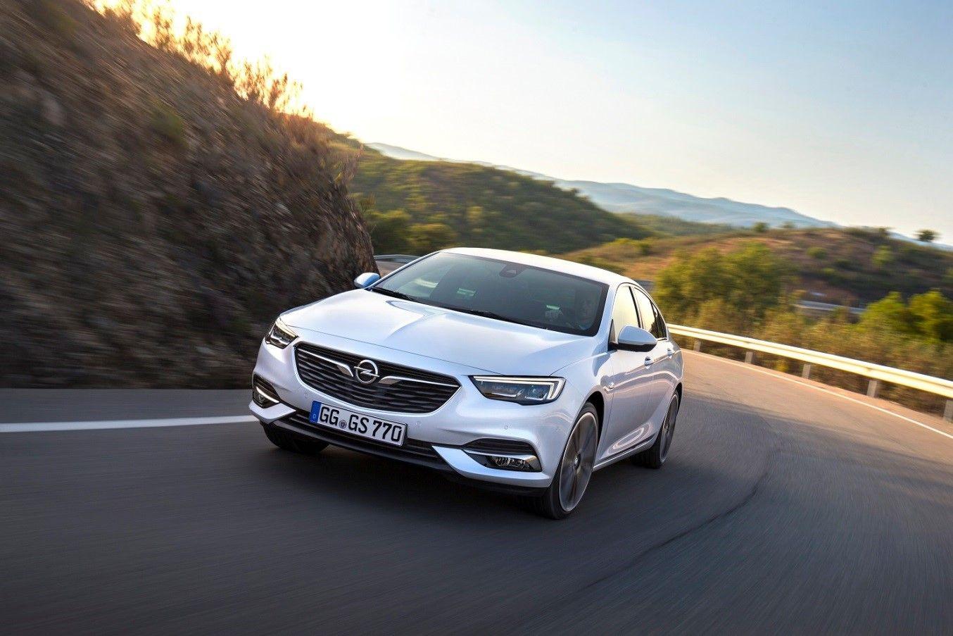 El Opel Insignia amplia la gama de motores