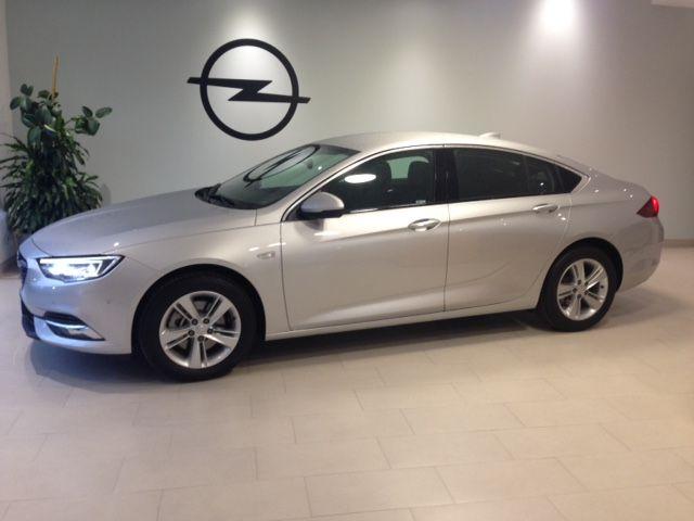 GRAN OPORTUNIDAD!!! Nuevo Opel Insignia Excellence 2.0 cdti 170cv Excellence de KM0. por 24750€*
