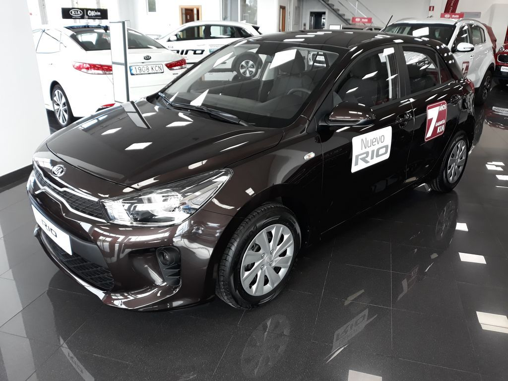 Nuevo Kia RIO 1.2 CVVT Concept Eco-Dinamics. Gasolina 84 cv. Color Deep Siena Brown