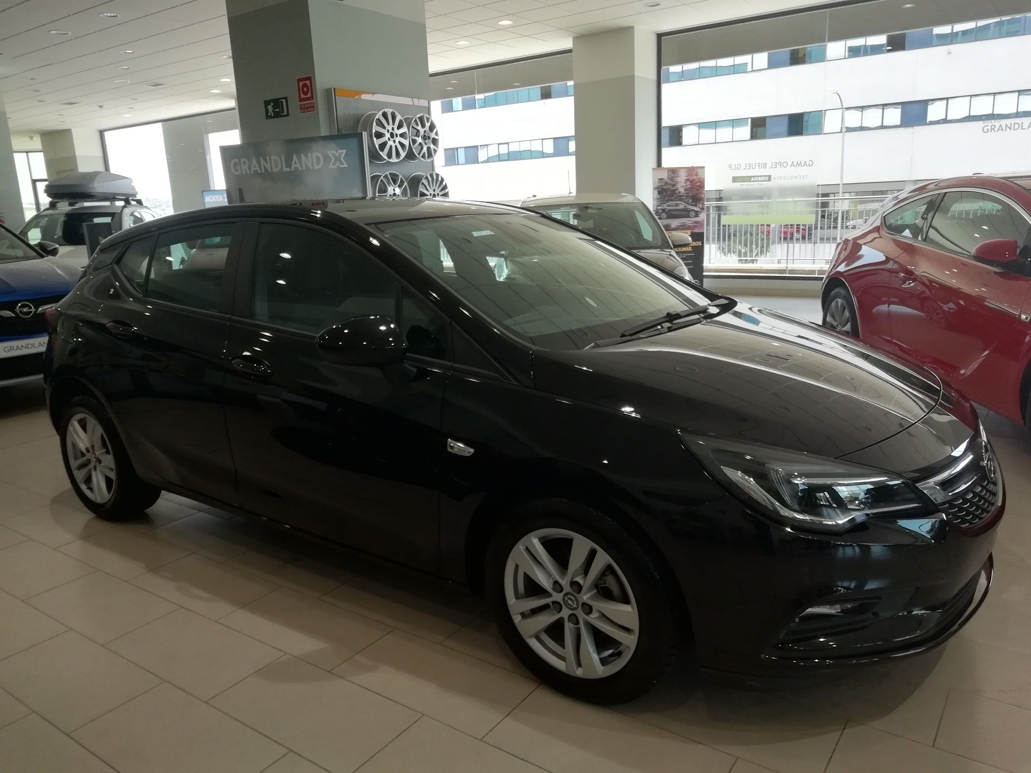 Opel Astra Selective 1.6 110cv - Oferta Mes 14.190€ !!!!!!!!!!