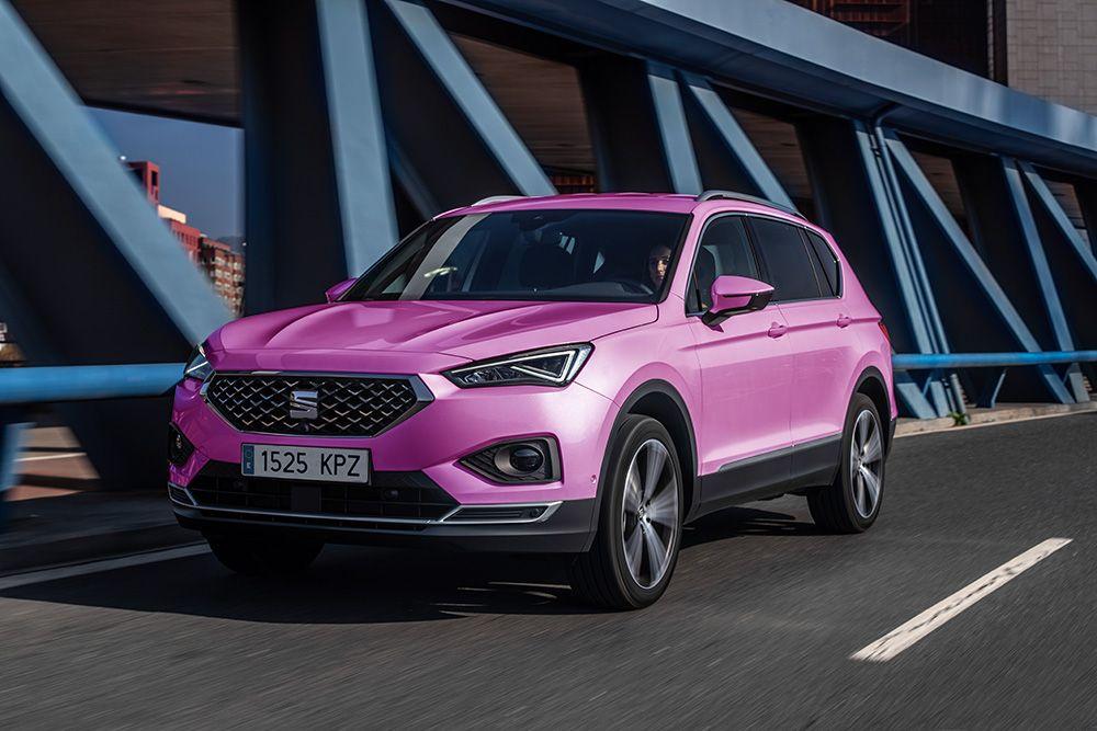 SEAT lanza el nuevo color Rosa Flamingo en toda su gama