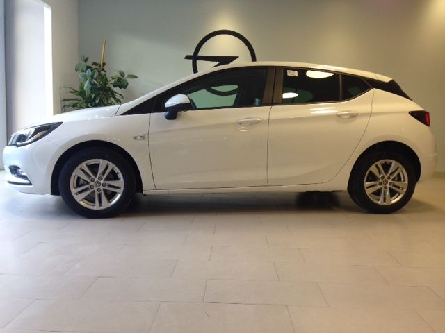 Opel Astra Selective 1.6 CDTI 110cv Diesel de KM0 por 14600€ *