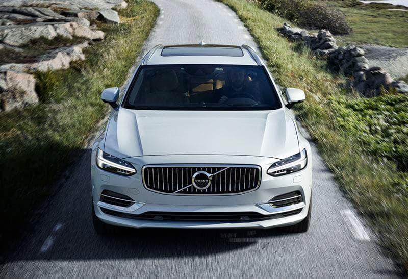 Volvo te informa sobre el nuevo límite de velocidad en carreteras convencionales