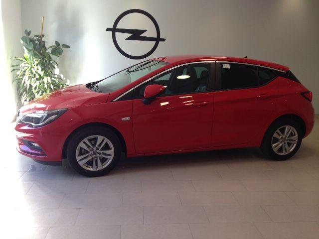 Opel Astra Selective 1.4T 125cv Gasolina de km0 por 15600€*