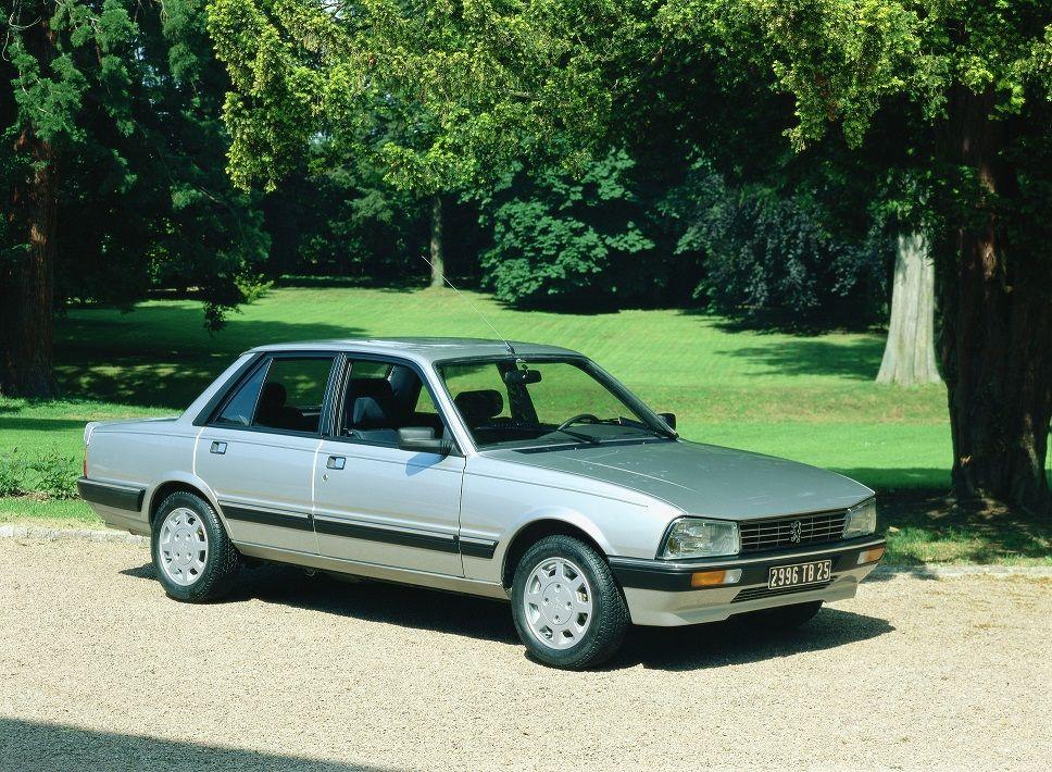 """40 años del Peugeot 505: un """"coche mundial"""" elegante, robusto y polivalente"""