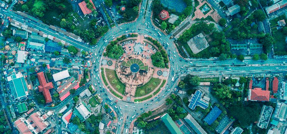 Cómo conducir correctamente en una rotonda