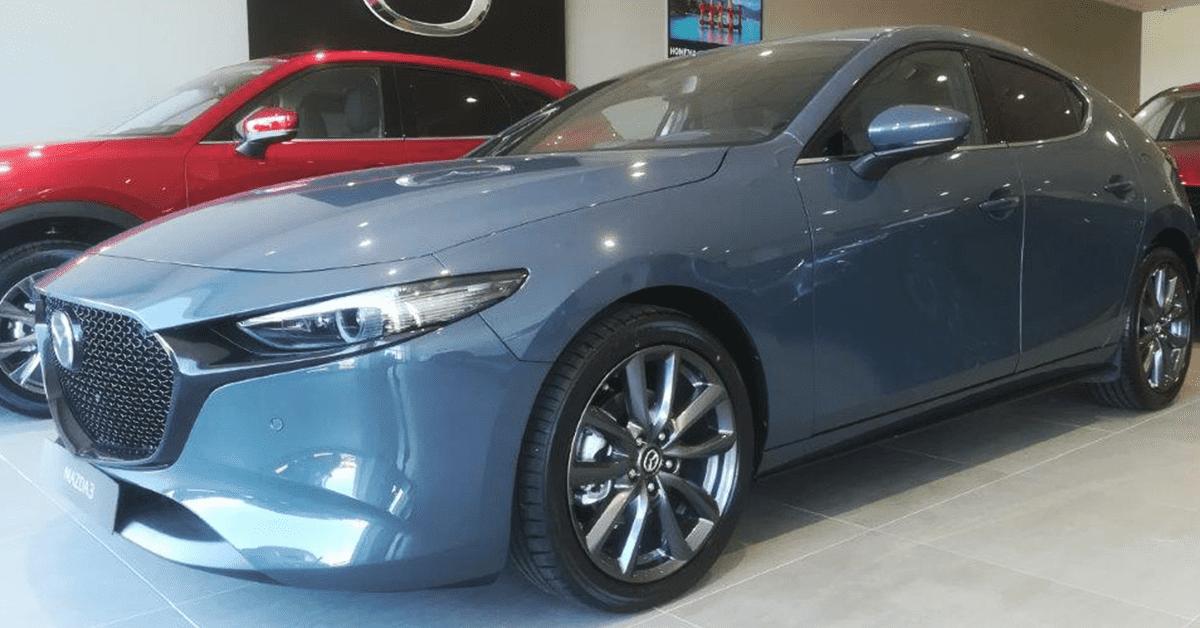 Damos la bienvenida en nuestras instalaciones al nuevo Mazda3