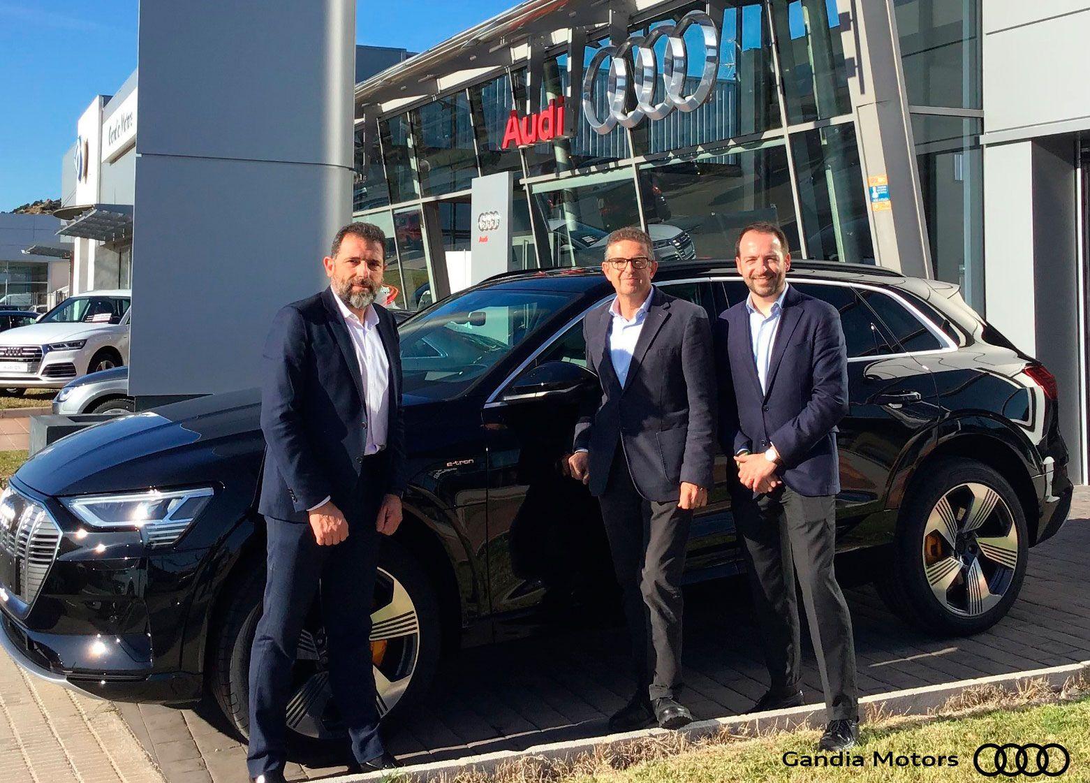 Audi Gandia Motors entrega la primera unidad del e-tron