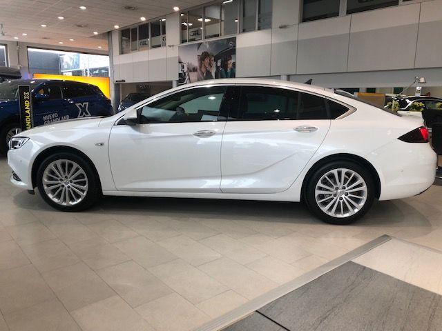 Opel Iinsigna 5/p Innovation 1.5 T 165cv Automático de KM0. por 27900€
