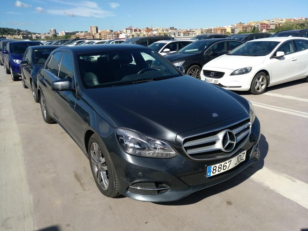 MERCEDES E-CLASS E 220 BLUE TEC BE EDITION AVANTGARDE PLUS 4 PUERTAS
