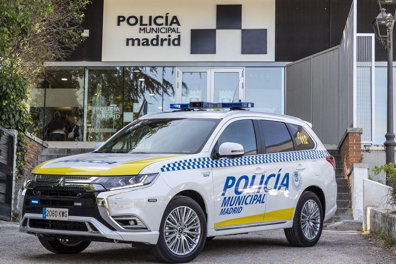 La Policía Municipal de Madrid ya conduce el Mitsubishi Outlander PHEV