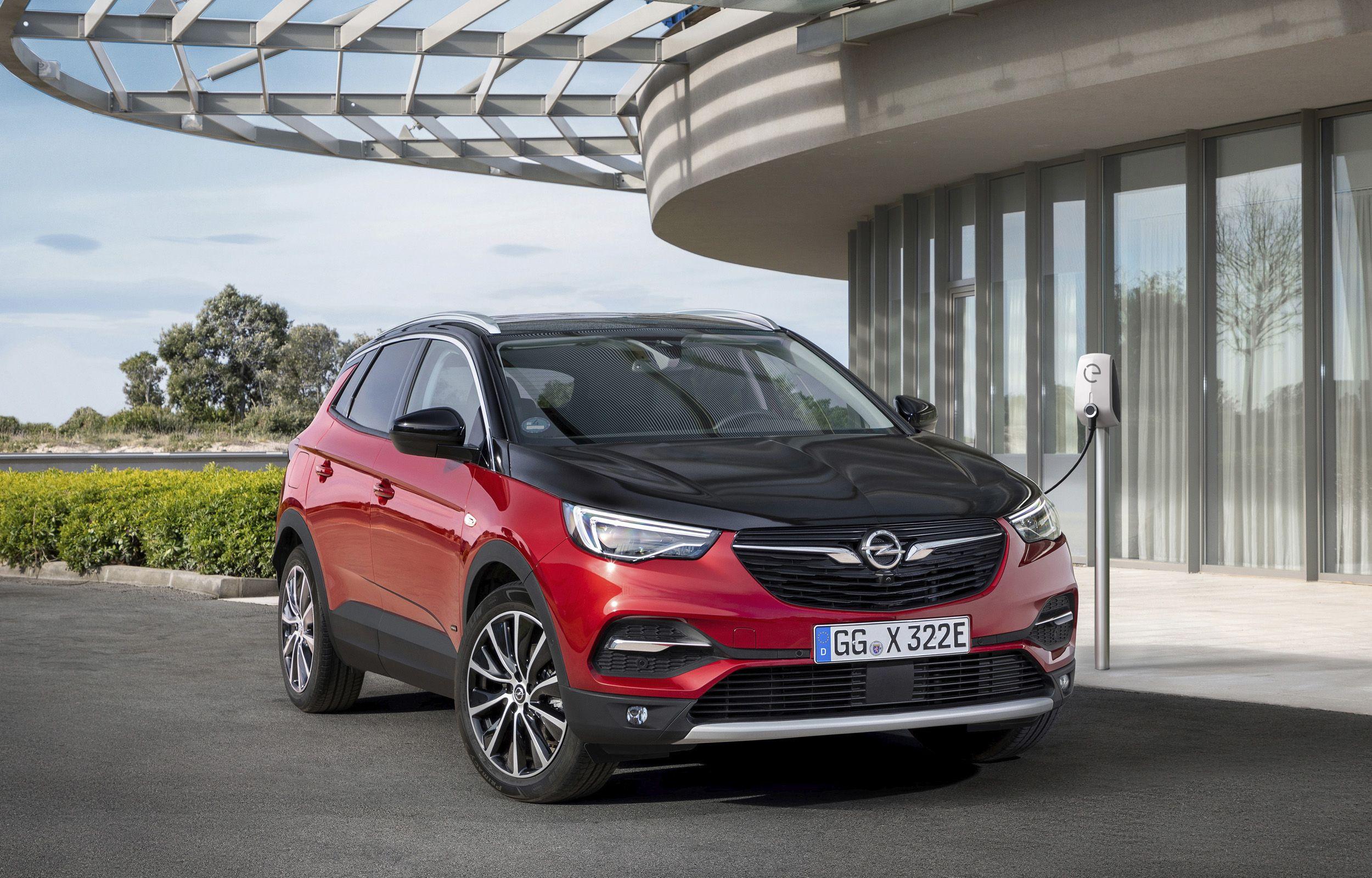 Recargado: Opel Grandland X híbrido enchufable con tracción a las 4 ruedas