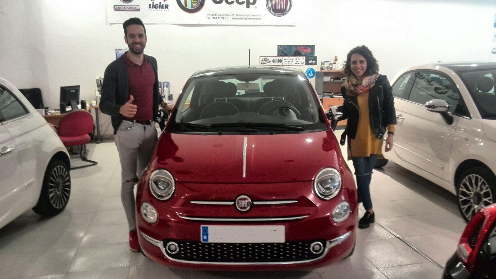 Entrega a Yolanda y Javier de un Fiat 500 Lounge