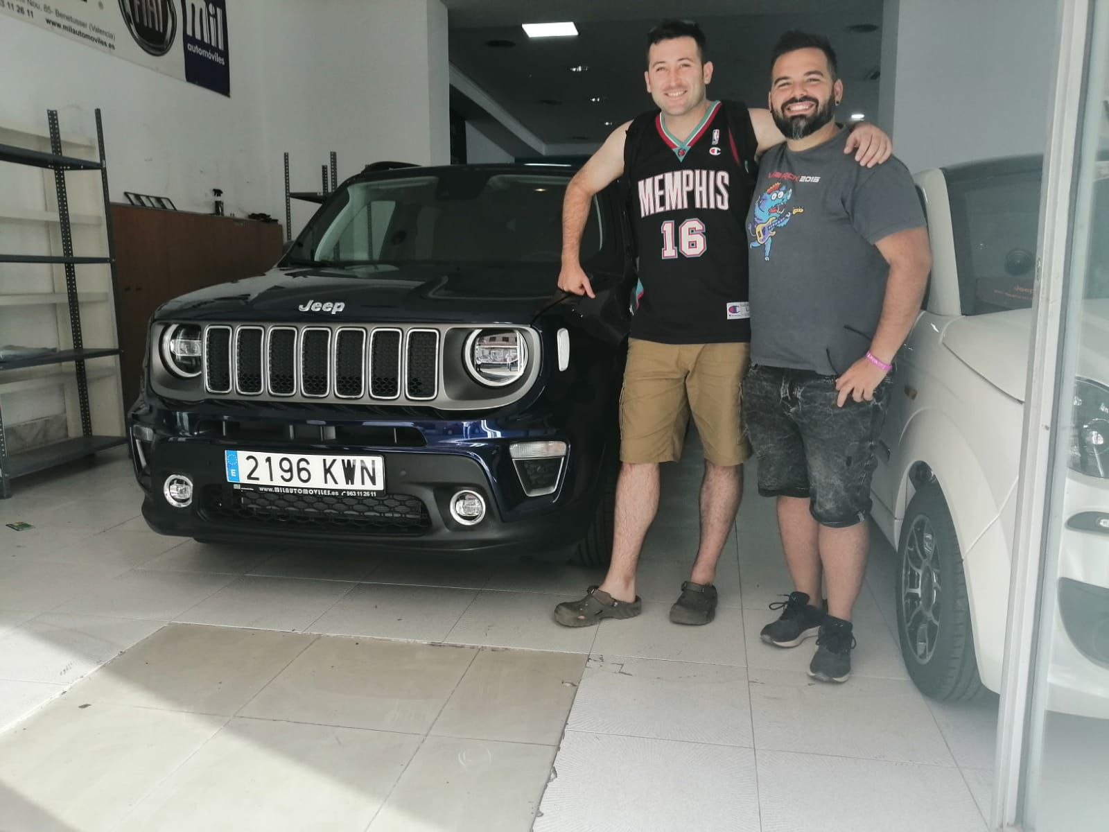 Entrega a David de un Jeep Renegade