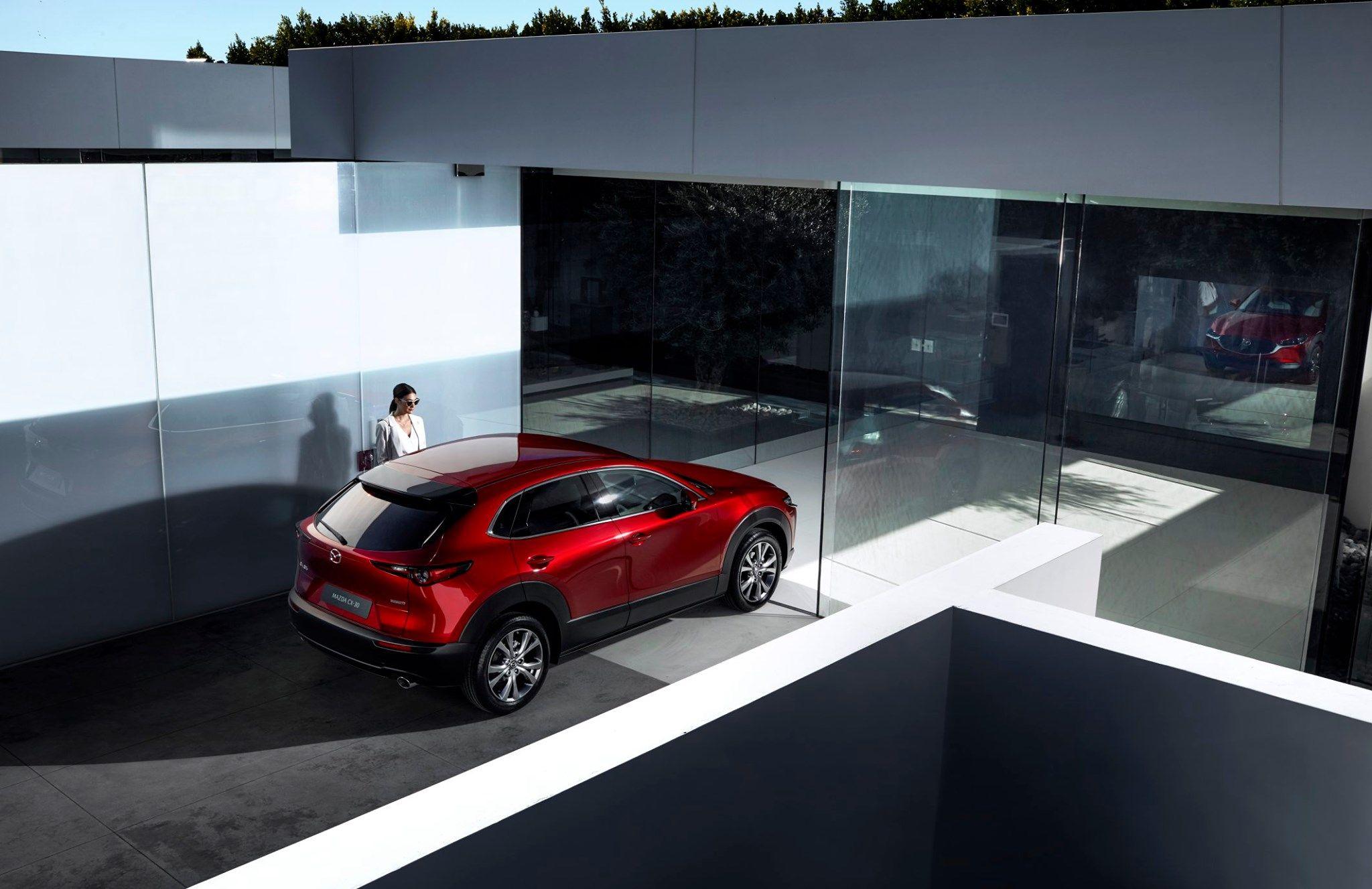 ¡RENTING! Mazda CX- 30 por 379,49€* al mes ¡ECO!
