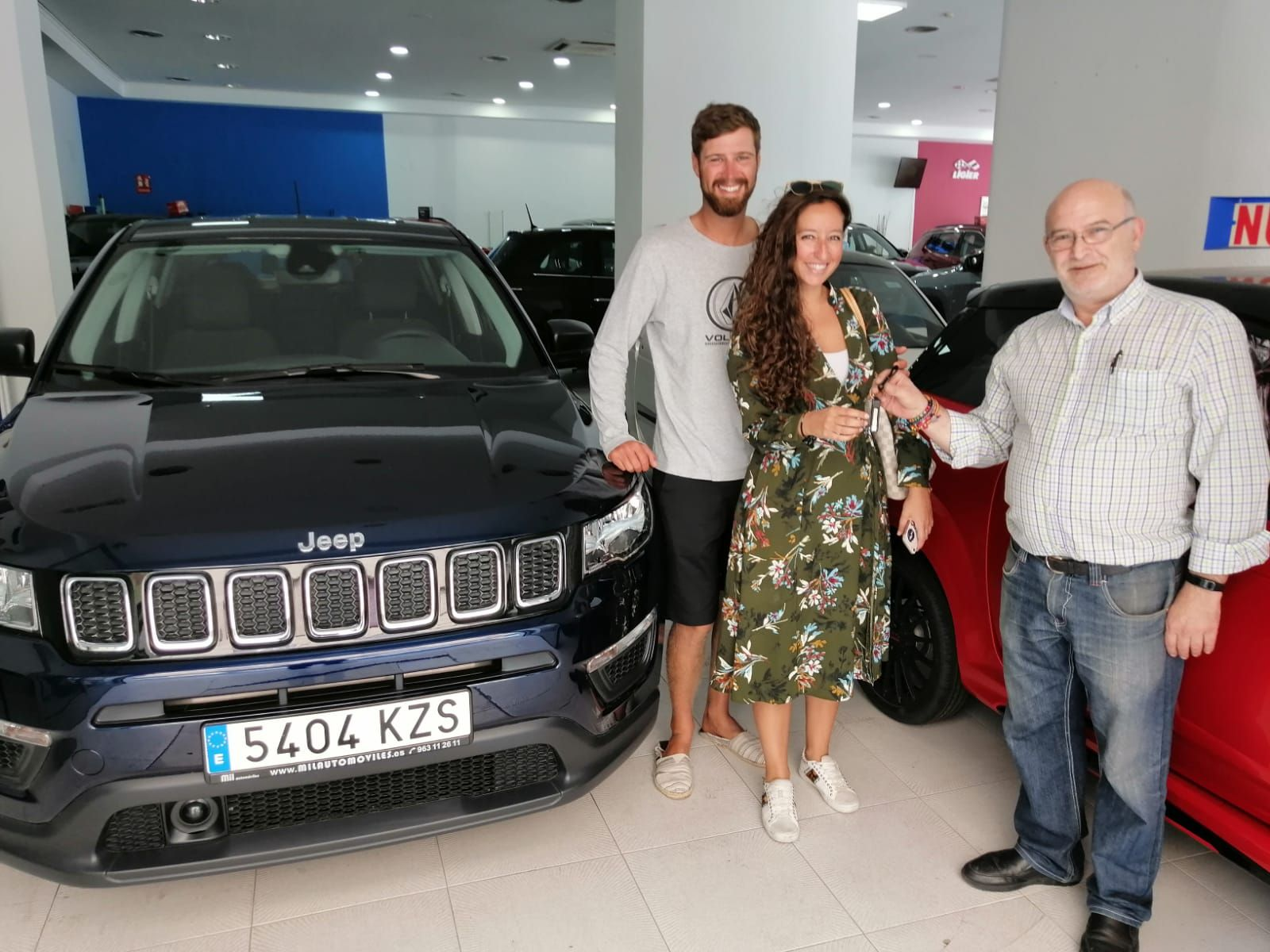 Milautomóviles entrega a Beatriz un Jeep Compass