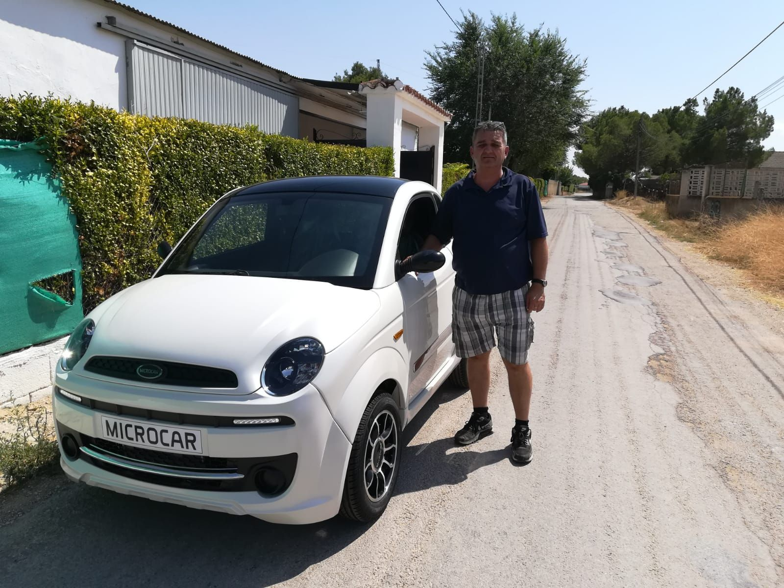 Milautomóviles entrega a Benjamin un Microcar Due