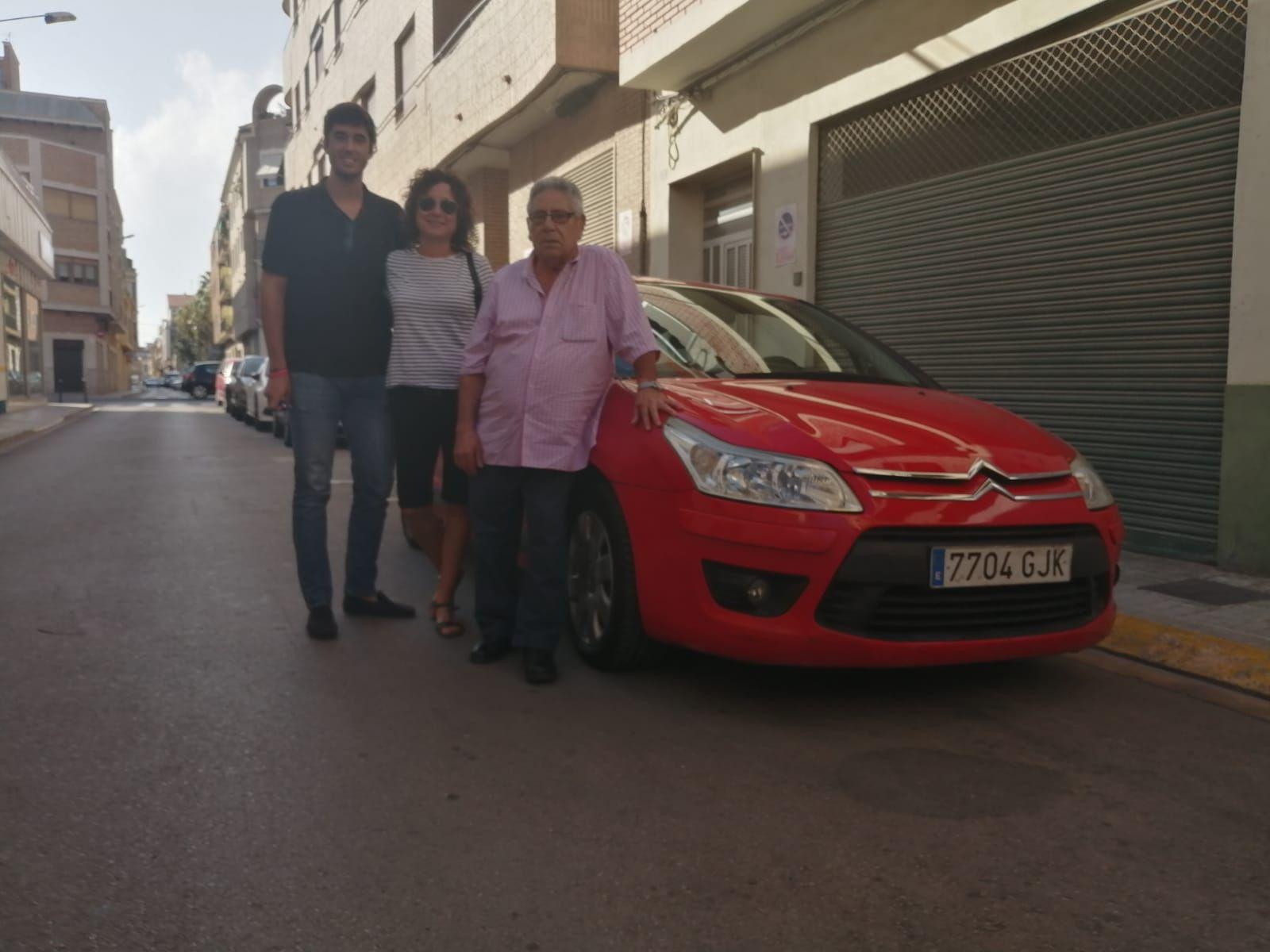 Milautomóviles entrega a la familia Pérez un Citroen C4