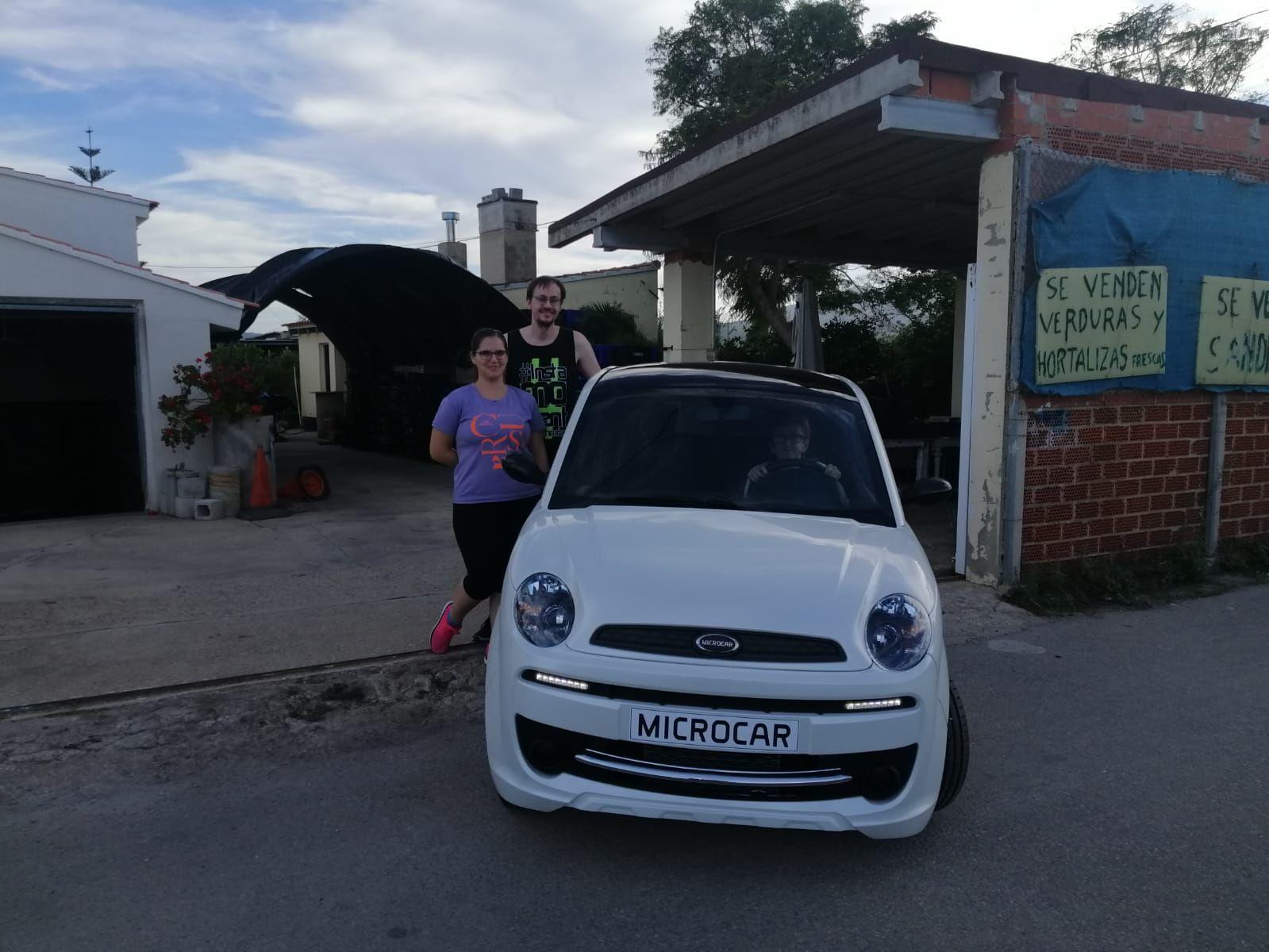 Milautomóviles entrega un Microcar Due a Dolores