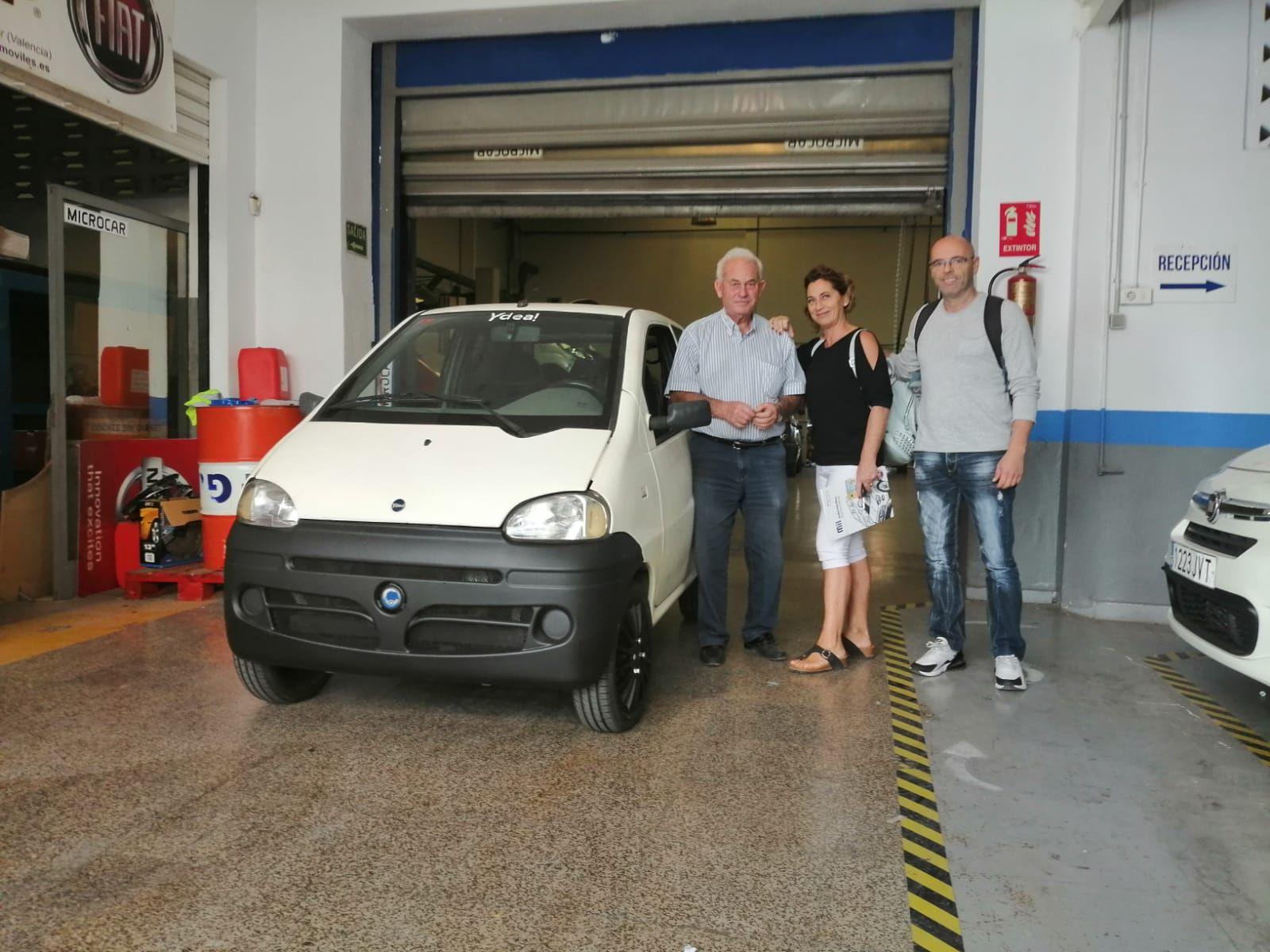 Milautomóviles le hace entrega a lafamilia Medina de un Casalini Ydea automático.