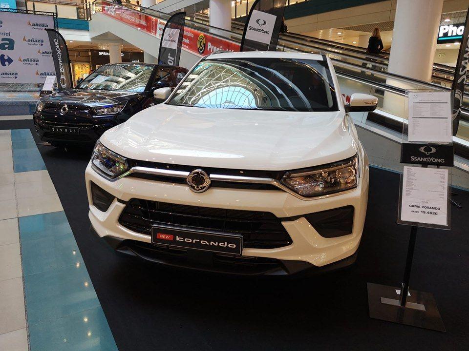 El nuevo Korando en el Centro Comercial Añaza Carrefour.
