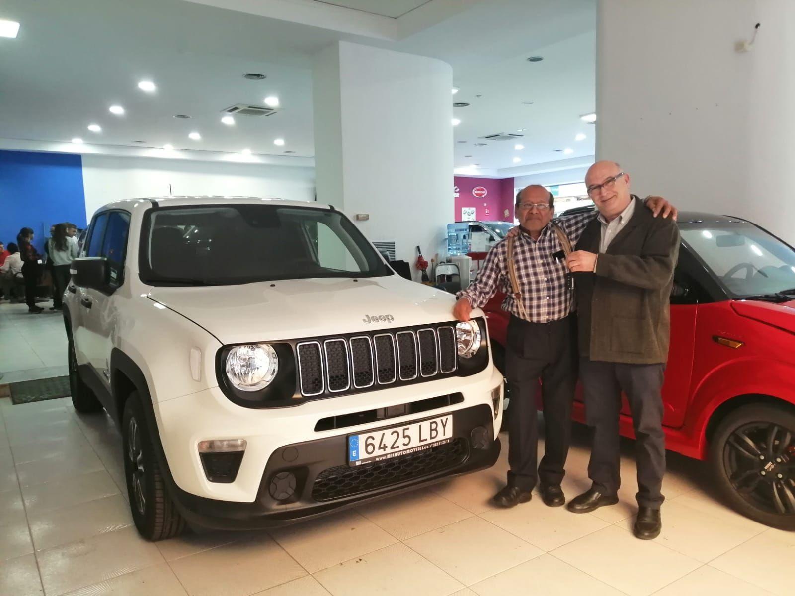 Milautomóviles entrega a Aníbal un Jeep Renegade
