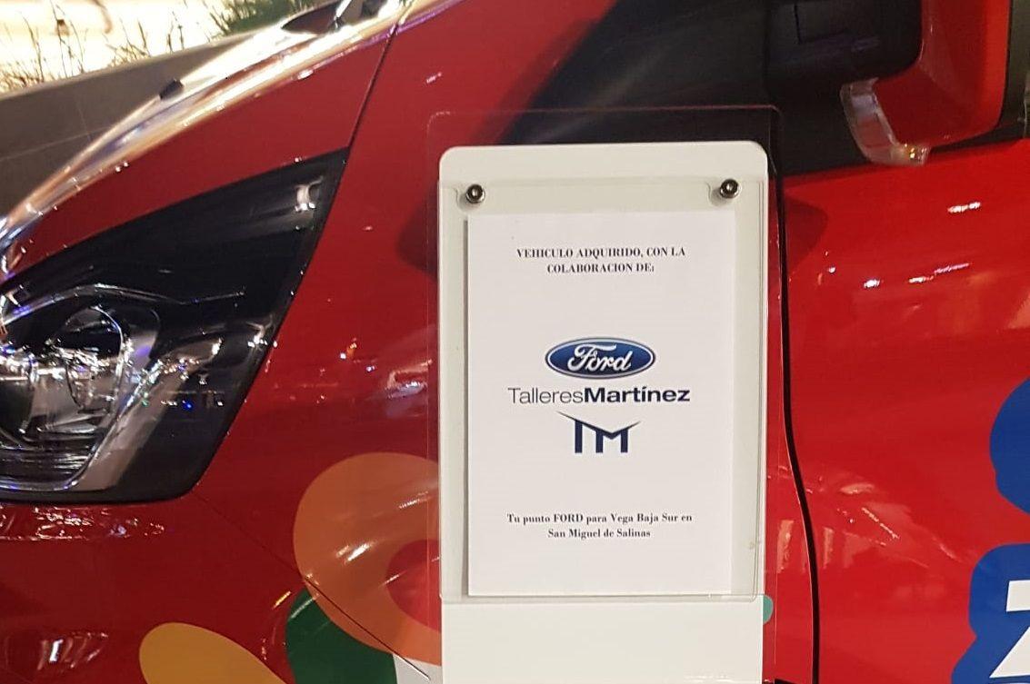 """Ford Talleres Martínez colabora con el proyecto """"Abriendo Camino"""" de la Asociación ADIS"""