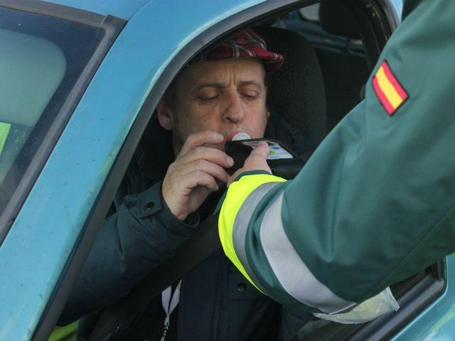 Campaña de Navidad de la DGT: 25.000 pruebas diarias de alcohol y drogas