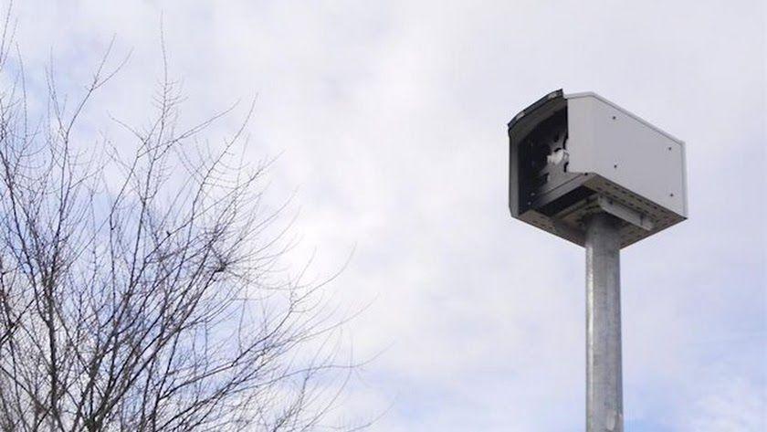 Nuevo dispositivo de la DGT: frenar cuando estás cerca del radar no servirá