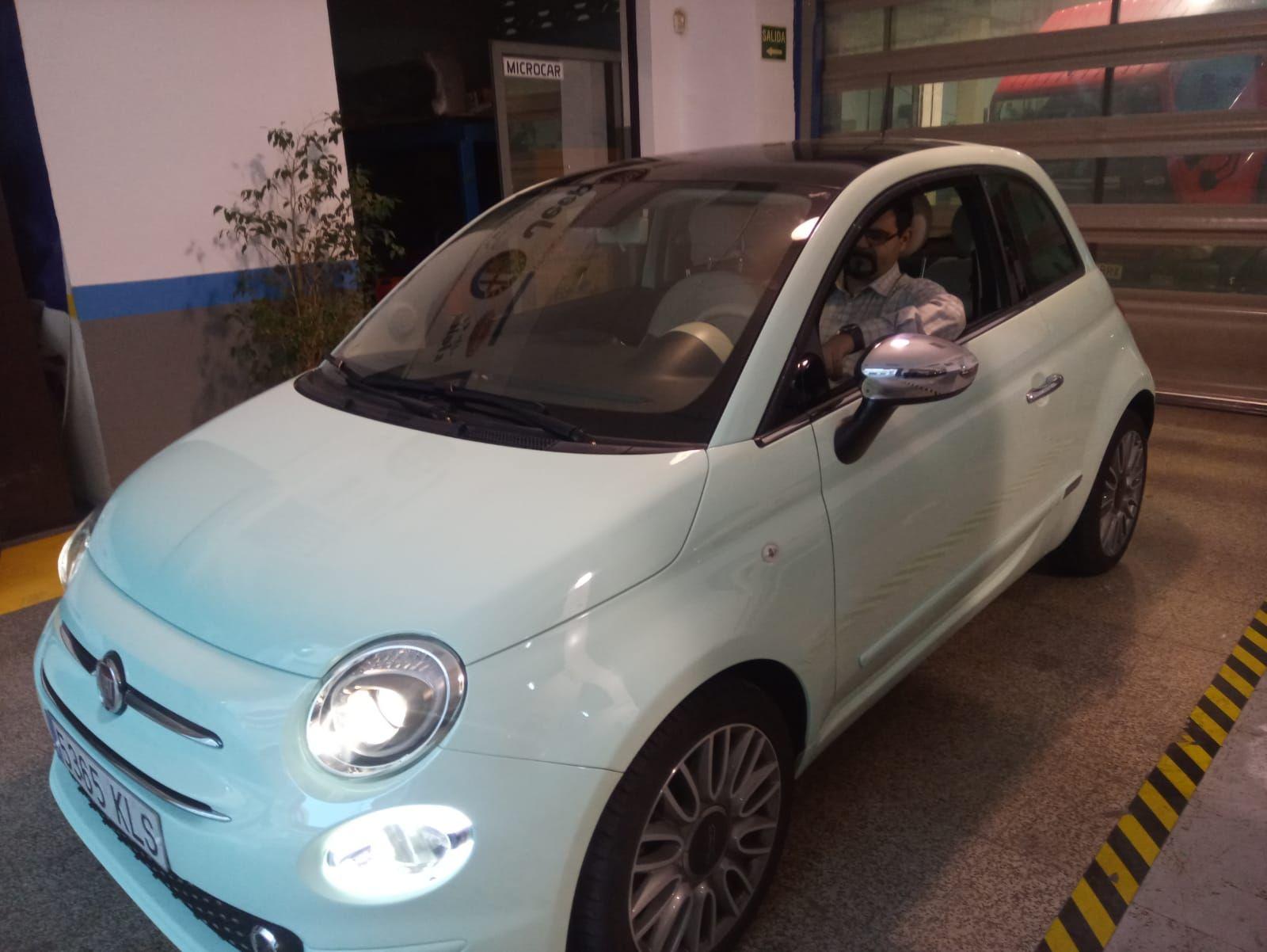 Milautomóviles entrega un Fiat 500 a Encarni