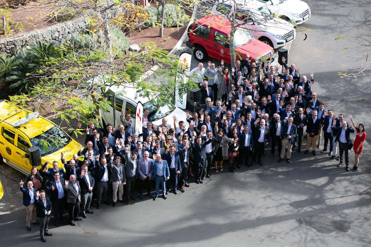 Icamotor, Concesionario Oficial Mitsubishi Motors para toda Canarias, entrega diez unidades al Cabildo de Tenerife.