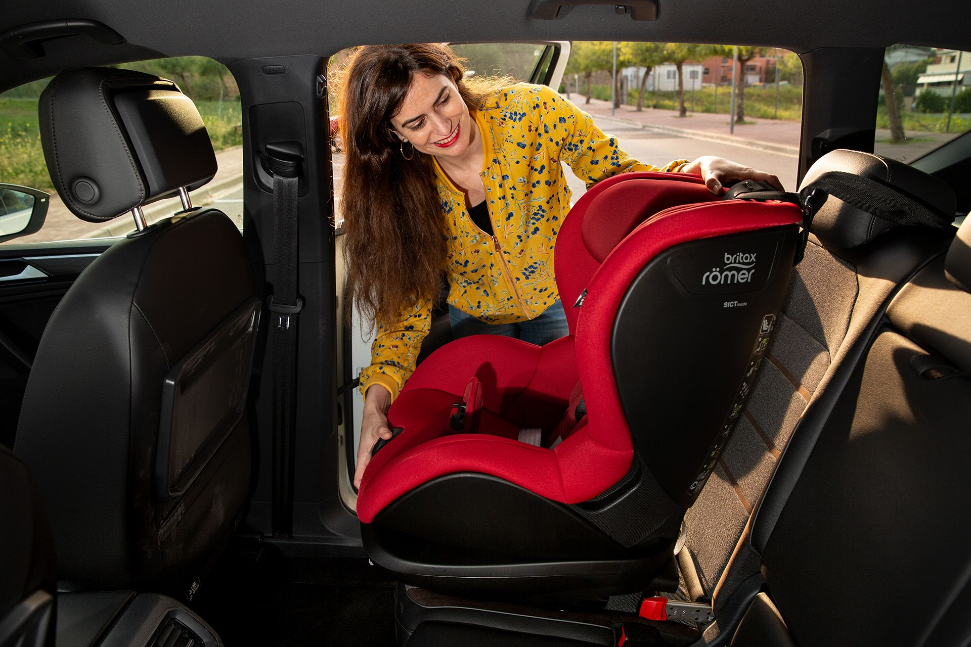 ¿Cómo poner sillas infantiles en tu SEAT?