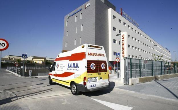 Un motorista herido permanece una hora y media en el suelo en Valencia
