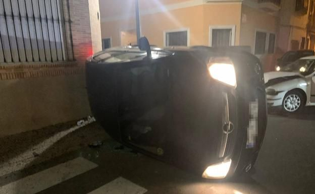 Una conductora ebria causa un accidente en Cheste al saltarse un stop