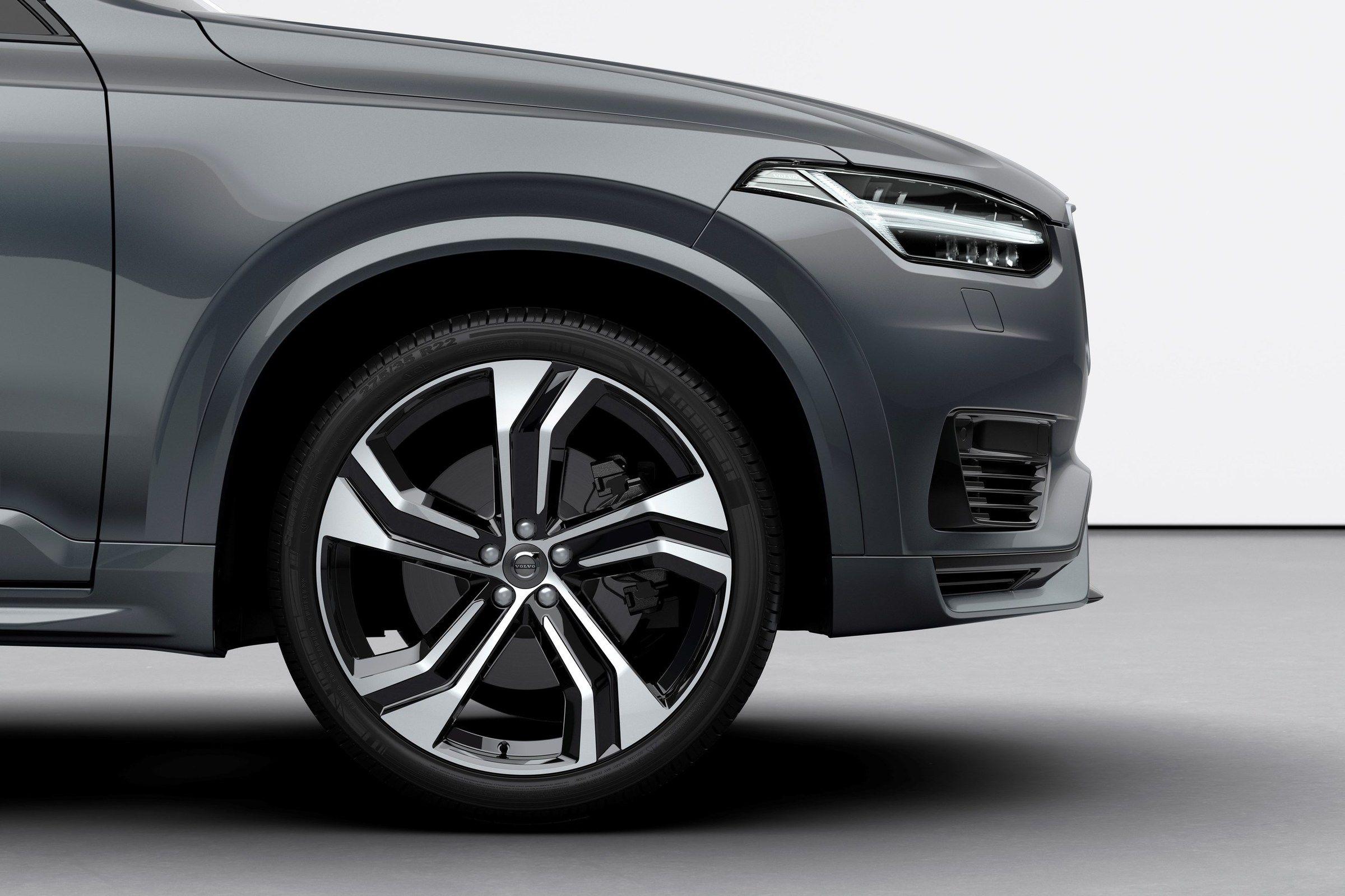 Volvo te da las claves para elegir el tipo de neumático que más te conviene