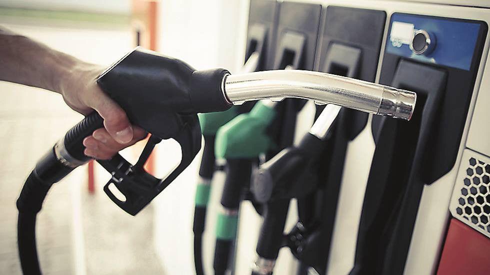 Se hizo realidad: éstas son las gasolineras con el diésel y la gasolina a menos de 1 euro